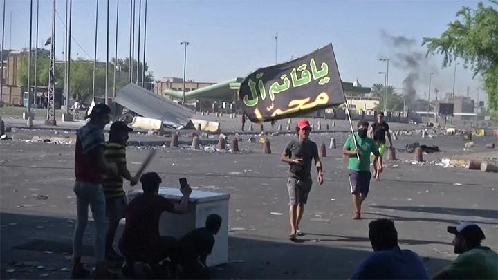 Manifestantes pro-iraníes atacaron la embajada de EEUU en Bagdad