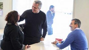 Alberto Fernández se mostró con Randazzo y harán recorridos de campaña