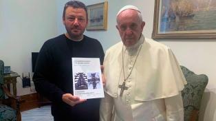 """El Papa bendijo una exposición de Marmo sobre """"el poder transformador de las realidades descartadas"""""""