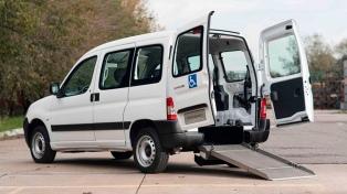 Impulsado por un persona con discapacidad, saldrá el primer auto adaptado para sillas de ruedas
