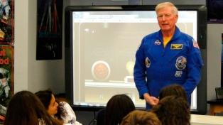 """Llegó un astronauta de la NASA para encontrar al """"argentino que pueda viajar al espacio"""""""