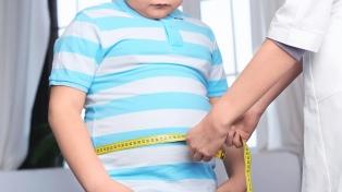 La obesidad no admite tratamientos de corto plazo, afirmó una endocrinóloga