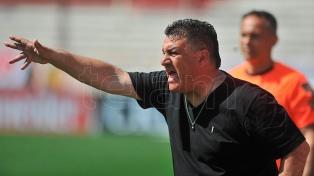 """Apuzzo: """"Lucas Barrios merece revancha y ojalá que la tenga"""""""