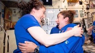 Dos mujeres astronautas protagonizarán la primera caminata espacial femenina