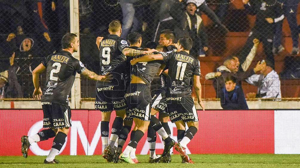 Más grandes los chicos: ganaron Central Córdoba y Estudiantes de Caseros