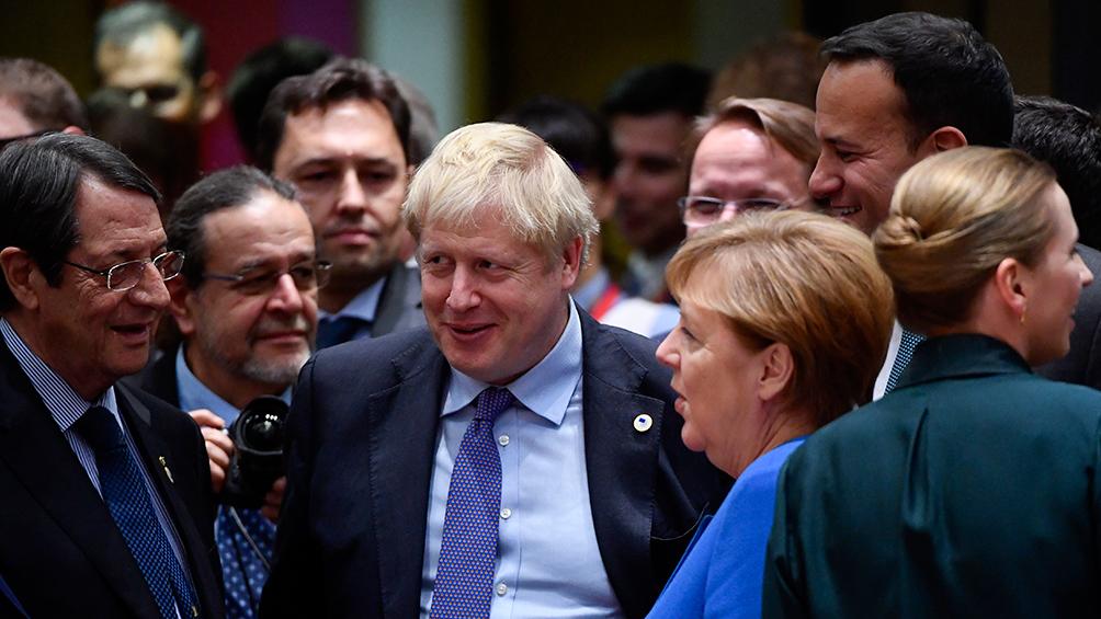 La Unión Europea aplaza la decisión sobre una prórroga del Brexit