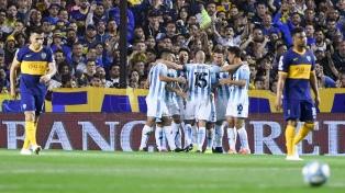 Racing se quedó con el invicto del líder Boca Juniors