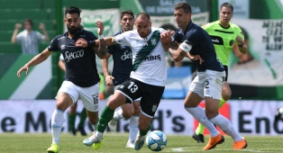 Atlético Tucumán, sobre el final, encontró el triunfo ante Banfield