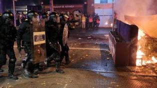 Al menos 12 heridos en disturbios durante manifestación separatista afuera del Camp Nou
