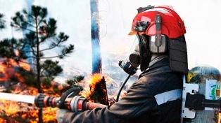 Diseñan un casco con código QR y GPS para mejorar la seguridad de los bomberos