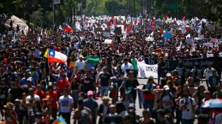 Una marcha de silencio contra la represión en a tres meses del estallido social