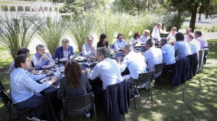 Macri compartió un almuerzo con ministros y funcionarios