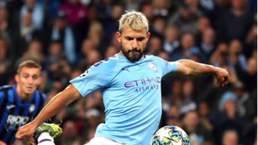 Manchester City goleó a Aston Villa y mira de cerca al Liverpool