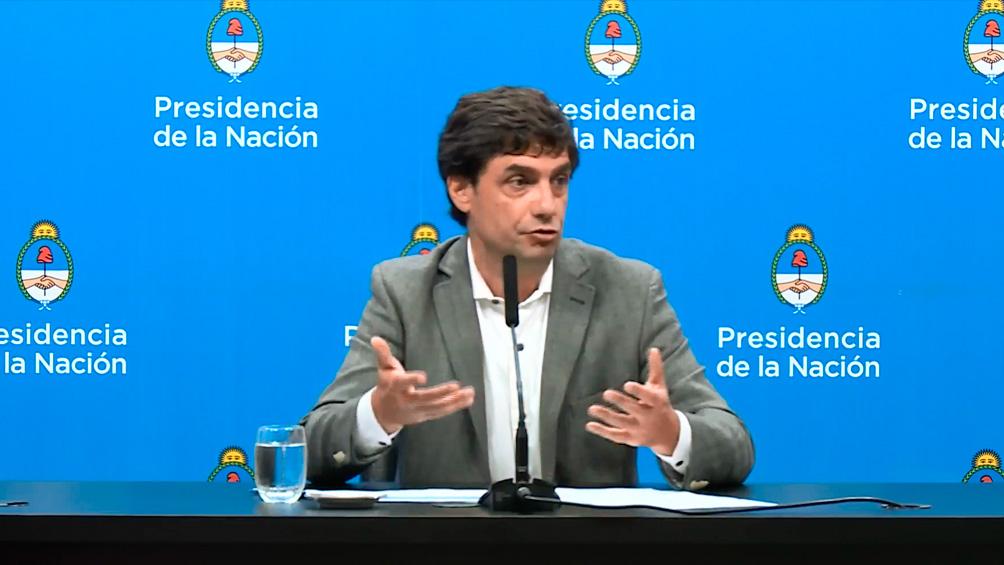 Lacunza afirmó que las restricciones cambiarias apuntan a tener