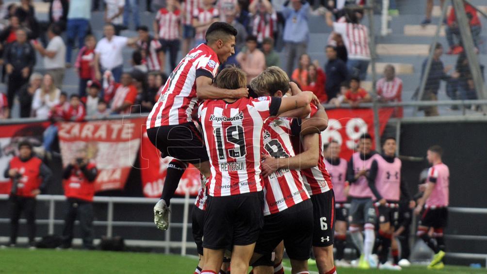 Estudiantes de La Plata venció a Rosario Central y lo dejó en zona de descenso