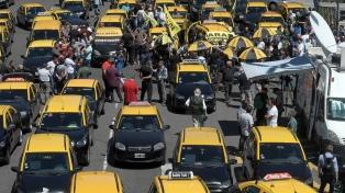Los taxistas protestarán este jueves en rechazo de Uber y Cabify