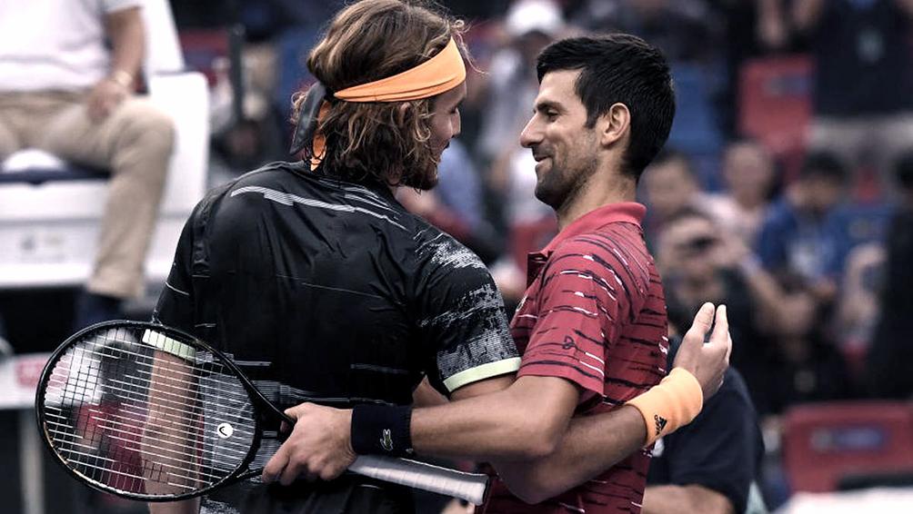 Tsitsipas es finalista en Abu Dabi tras imponerse sobre el serbio Djokovic