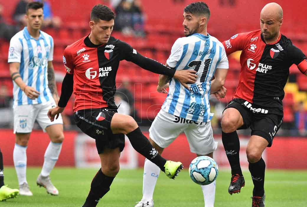 Atlético Tucumán extiende su racha ganadora ante un Colón con la cabeza en la Sudamericana