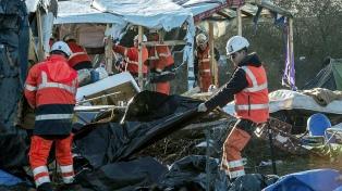 La policía desaloja a inmigrantes en dos campamentos de París