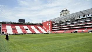 Estudiantes inauguró su nuevo estadio en una noche llena de emociones