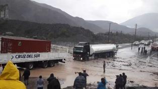 Corte total en la ruta nacional 9 debido a la crecida de arroyos por lluvias