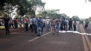 Tabacaleros reclaman el incumplimiento de la Caja Verde y cortan rutas