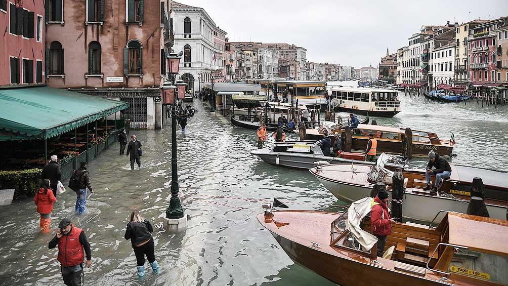 Un temporal inundó de nuevo Venecia