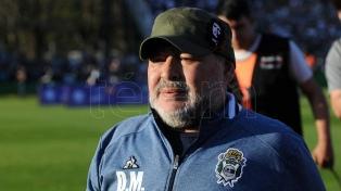 Pellegrino sella la estadía de Maradona en Gimnasia
