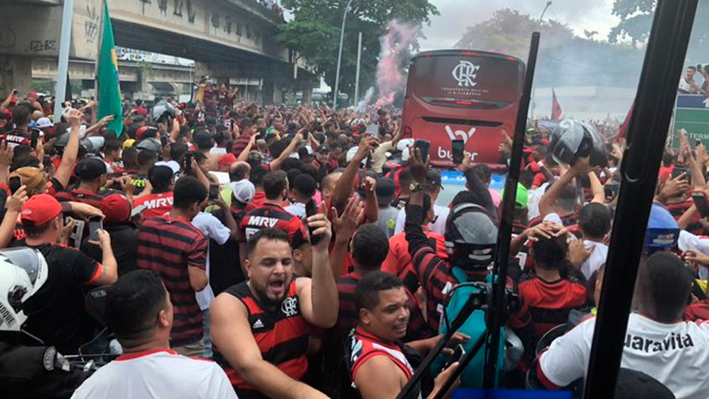 Flamengo no detiene sus festejos: goleó a Ceará por 4 a 1