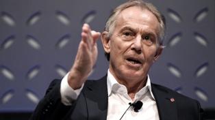 """Blair califica la política británica de """"desastre"""" y pide otro referendo por el Brexit"""