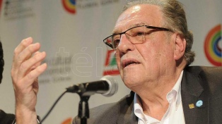 Economistas enmarcan la decisión de Fernández en el proceso de renegociación de deuda