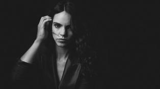 """Loli Molina: """"Lo azul sobre mí"""" es un disco de quiebre, un antes y después en mí"""""""