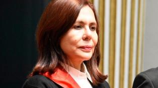 La canciller boliviana advirtió que no darán salvaconductos a ex funcionarios acusados de delitos