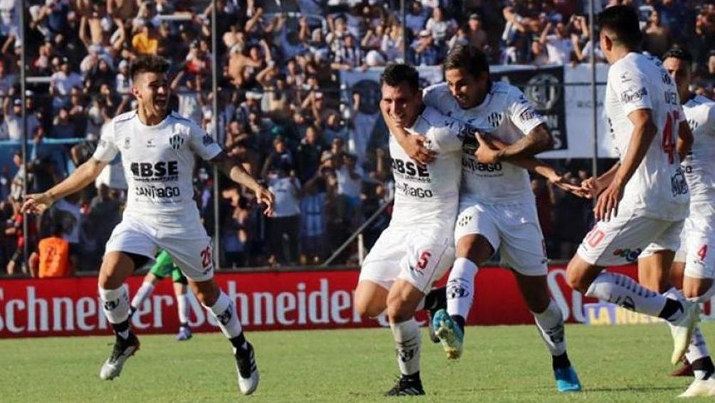 Central Córdoba y Rosario Central juegan con la mente puesta en el promedio