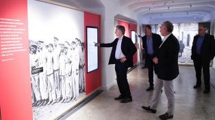 """Macri visitó el Museo del Holocausto y pidió """"defender la convivencia, el respeto y el diálogo"""""""