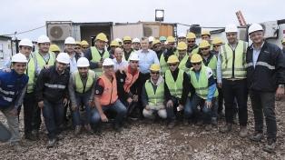 Macri visitó las obras del ferrocarril Belgrano Cargas en Timbúes