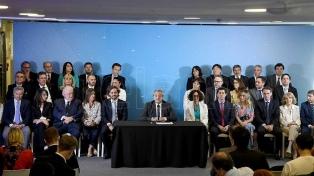 """Ministros designados por Alberto Fernández se comprometieron a """"poner a Argentina de pie"""""""
