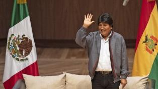 Evo Morales viajó a Cuba y afirman que planea instalarse en Argentina