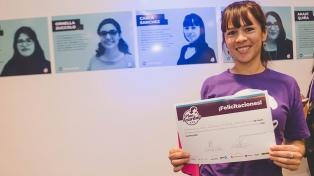"""Madres jóvenes, """"empoderadas y testers"""" por un programa gratuito de capacitación"""