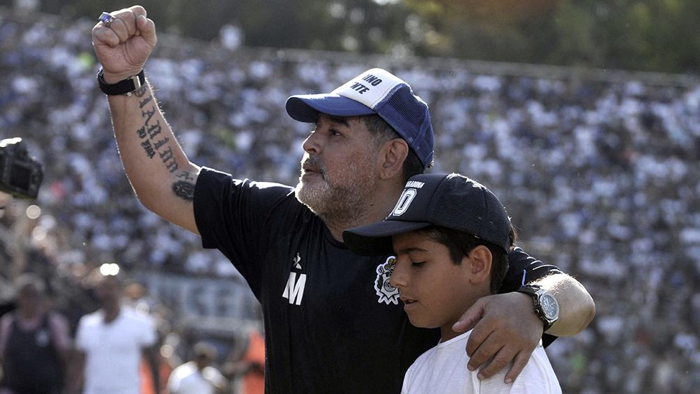 Maradona será nombrado socio honorario en el Día del Hincha de Gimnasia
