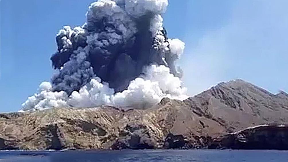 Estiman que pueden llegar a 14 los muertos por la erupción del volcán