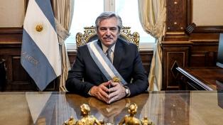 """Del ajuste a la """"solidaridad en la emergencia"""", a seis días de la gestión de Fernández"""