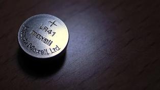 Alertan sobre los peligros de las pilas botón para los niños