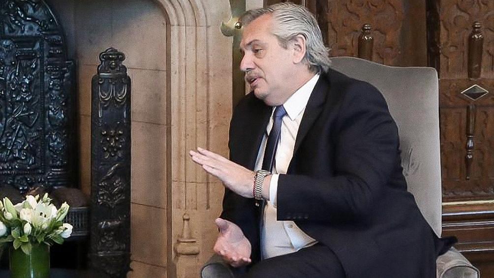 Fernández pidió a las petroleras que presenten «propuestas» por el precio de los combustibles