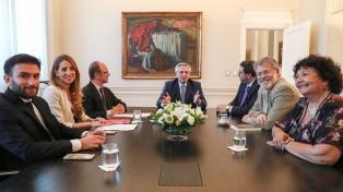 El Presidente se reunió por primera vez con el Consejo de Asesores
