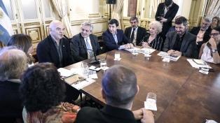 """Fernández exhortó a """"todos los argentinos a involucrarse en la lucha contra el hambre"""""""