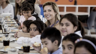 """Yañez pidió que """"se replique"""" en el país un programa social"""