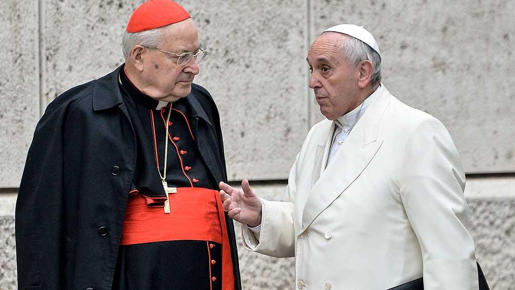 Francisco removió al polémico cardenal Sodano como