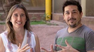 Desarrollan una guía de señas para incluir a personas sordas en la Universidad Nacional de San Luis