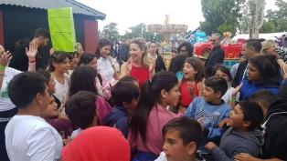 Fabiola Yáñez visitó la República de los Niños